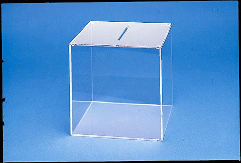Kunststoffbox für Produktpräsentation im Kosmetikbereich.