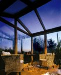Das Bild zeigt eine Bedachung aus Kunststoff für den Außenbereich, sie bietet besondere Langlebigkeit.