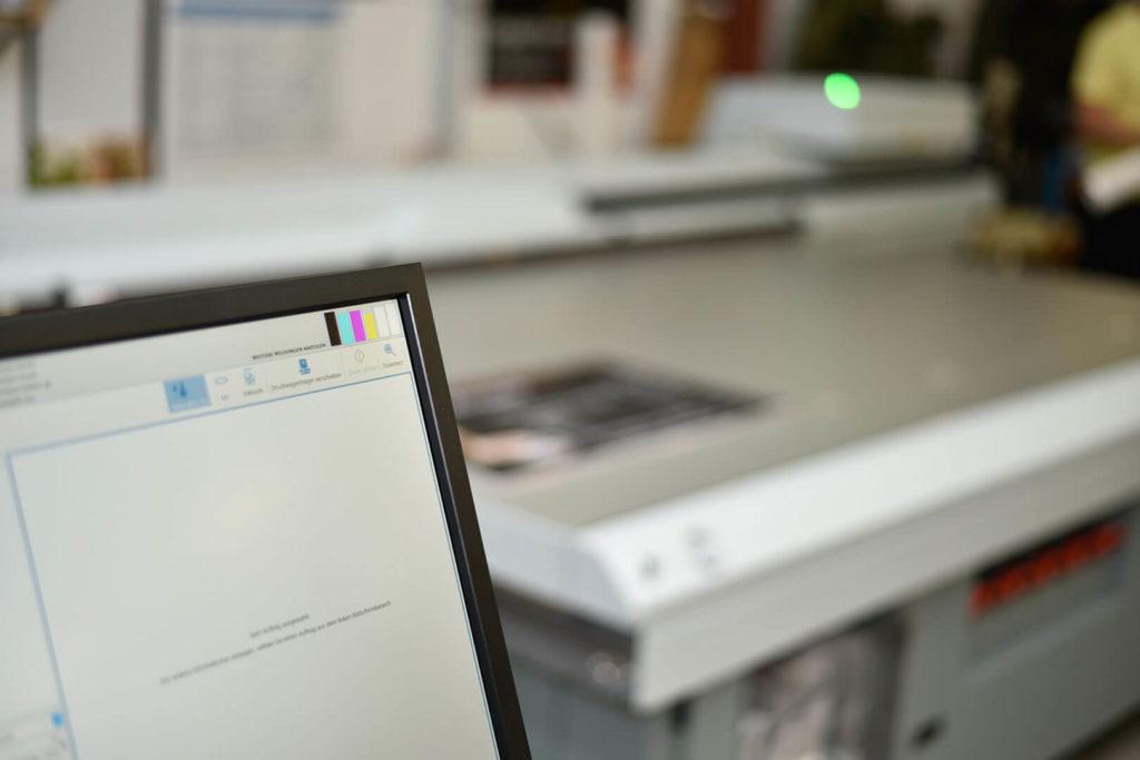 Digitaldruck auf verschiedensten Kunststoffen - garantiert mit modernsten Fertigungsprozessen.