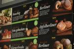 Das Bild zeigt digital bedruckte Werbetafeln für einen unserer Handelsgewerbekunden