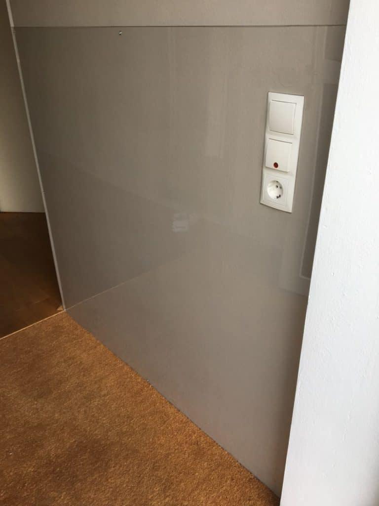 Wandverkleidung- auf Wunsch auch mit Foto-Digitaldruck auf PLEXIGLAS® - hochwertig und detailecht.